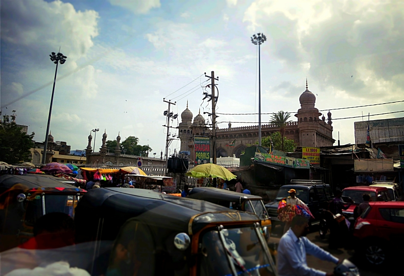 Chaos under stately minarets.
